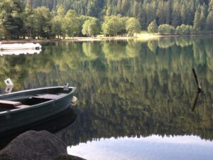 lac de longemar scenic